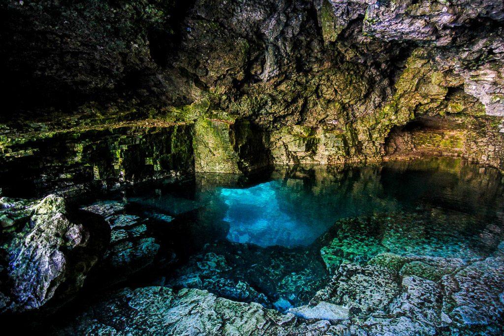 Tobermory Grotto, Bruce Peninsula